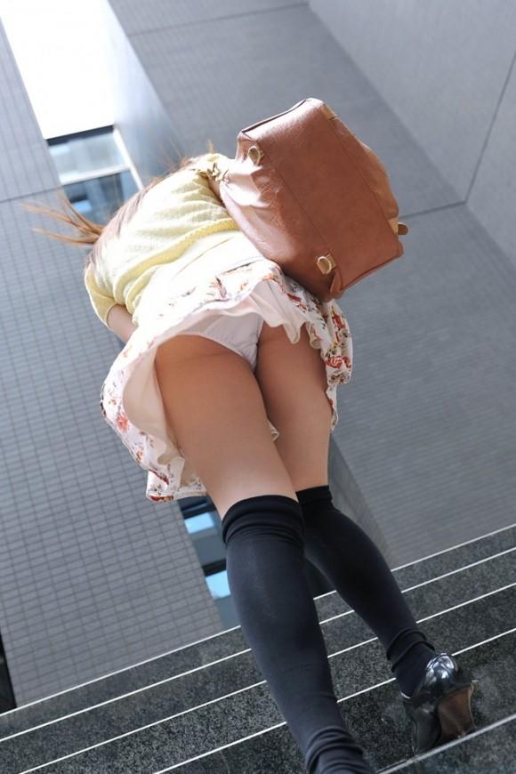 【盗撮エロ画像】偶然見えたエロだから興奮できる素人盗撮エロ画像!! 29