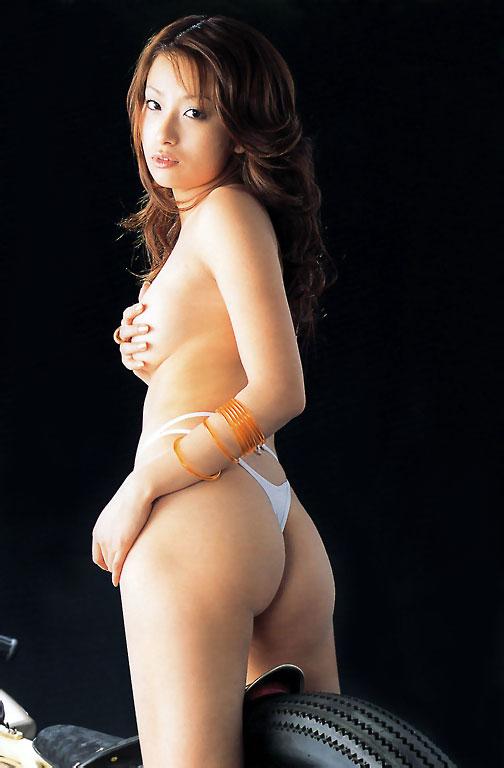 【Tバックエロ画像】女性の美尻を更に美しく演出するパンツといえばコレしかない!w 01