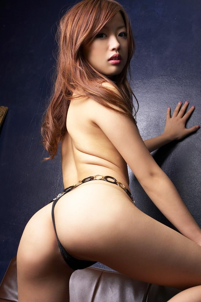 【Tバックエロ画像】女性の美尻を更に美しく演出するパンツといえばコレしかない!w 06