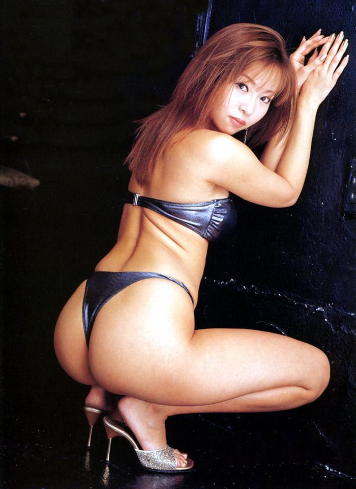【Tバックエロ画像】女性の美尻を更に美しく演出するパンツといえばコレしかない!w 11