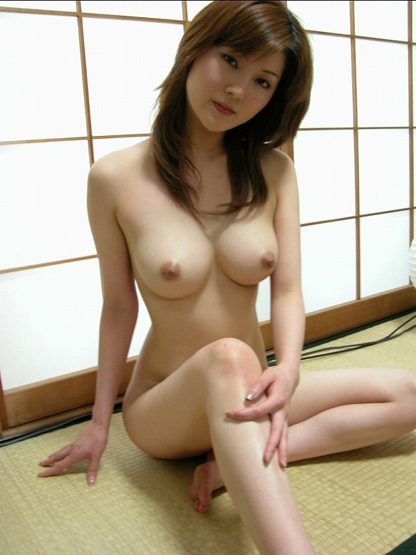 【美熟女エロ画像】あふれ出る熟女特有のオーラがエロさを演出する美人熟女 12