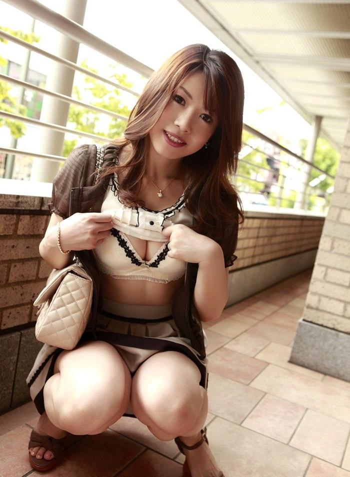 【美熟女エロ画像】あふれ出る熟女特有のオーラがエロさを演出する美人熟女 15