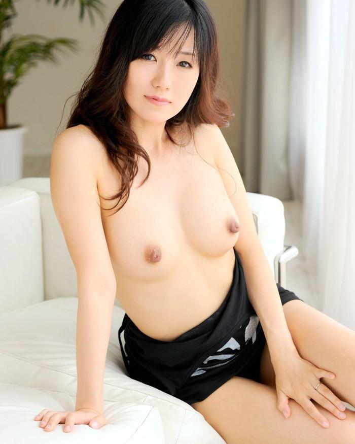 【美熟女エロ画像】あふれ出る熟女特有のオーラがエロさを演出する美人熟女 24