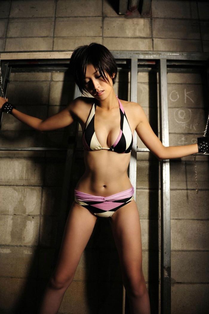 【拘束エロ画像】自由を奪われて体が超敏感になっている女の子たち 08