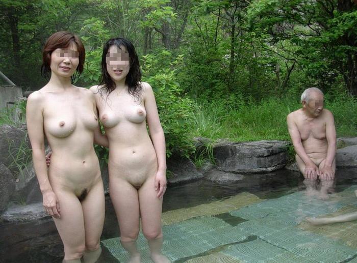 【入浴エロ画像】入浴する女の子!見たかった女湯の風景!絶景かな絶景かな!!w 30