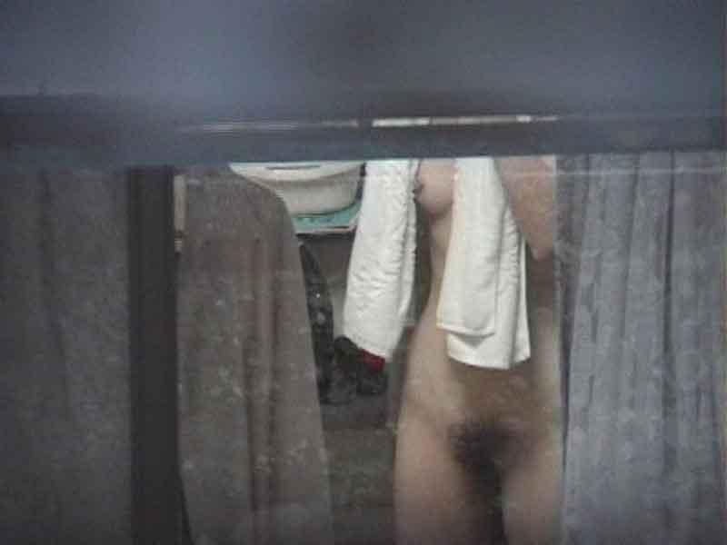 【民家盗撮エロ画像】まさか覗かれていたなんて!?民家盗撮の生々しい記録