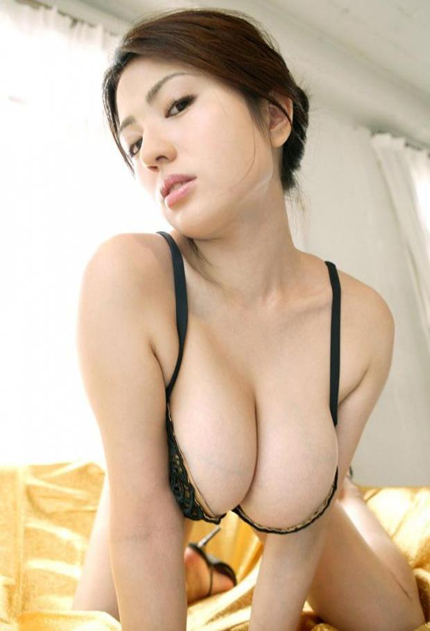 【美熟女エロ画像】若い娘にも負けない艶っぽさ!美しすぎる美熟女! 23