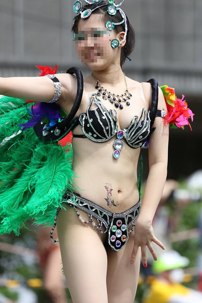 【サンバエロ画像】日本にもあった!本場さながらの衣装で踊るサンバ祭り! 22