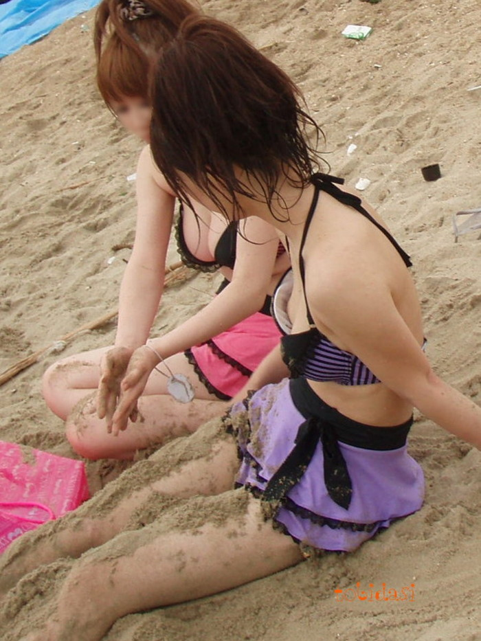 【水着おっぱいエロ画像】予期せぬ胸ポチからおっぱいポロリまで水着ハプニング! 04
