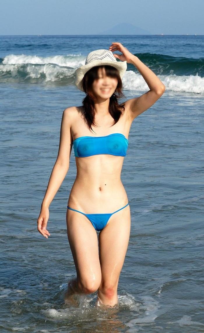 【水着おっぱいエロ画像】予期せぬ胸ポチからおっぱいポロリまで水着ハプニング! 10