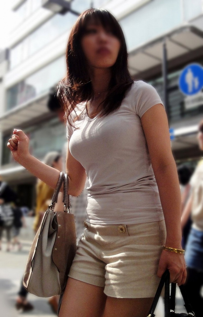 【着衣エロ画像】脱いでるわけじゃないのに妙にエロい!着衣エロってこんなん? 26