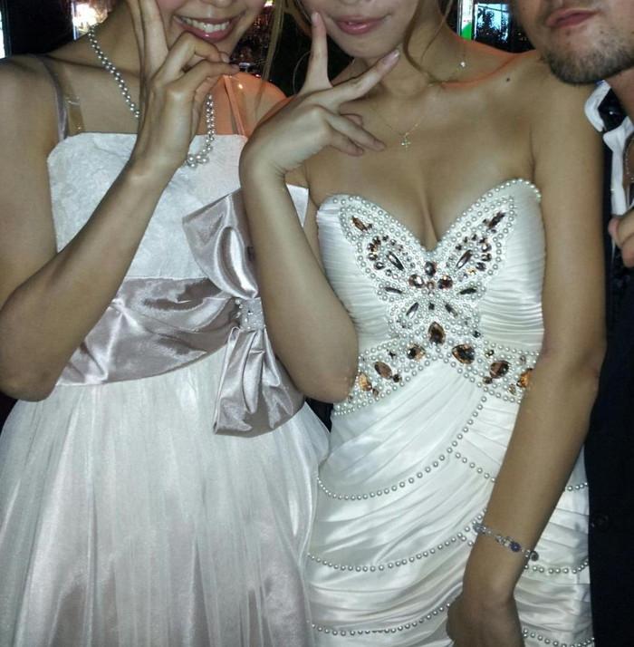 【キャバ嬢エロ画像】キャバ嬢の衣装ってのも露出過多で結構エロいよな!? 10