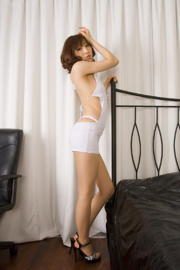 【ボディコンエロ画像】スタイル、顔ともに綺麗な美女だから似合うボディコン服の色香! 25