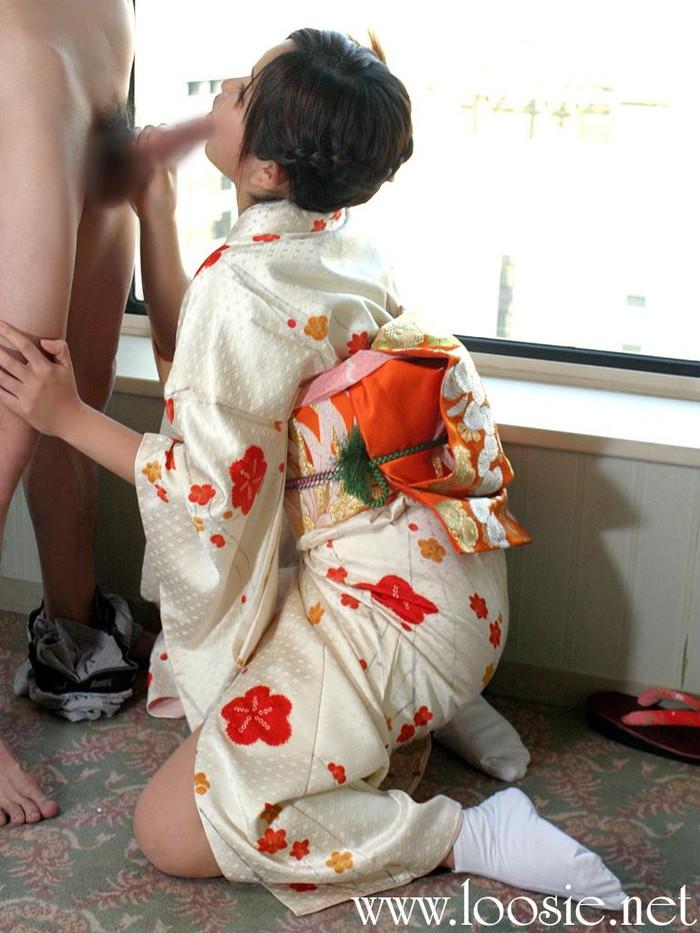 【和装エロ画像】着物や浴衣姿の女の子たちがあんな事やこんな事…。 07