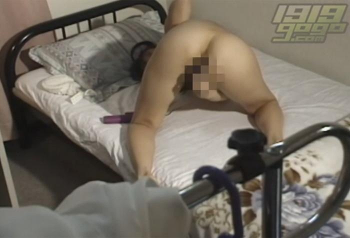 【オナニー盗撮エロ画像】カメラが捉えた決定的瞬間!オナニー盗撮! 23