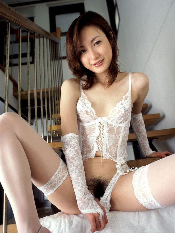 【美熟女エロ画像】BBAだと!?良く見ろ!とびきり美人の美熟女だぞ!? 01