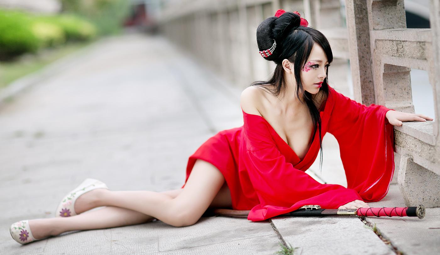 【コスプレエロ画像】台湾出身の過激コスプレイヤーがエロすぎる件。