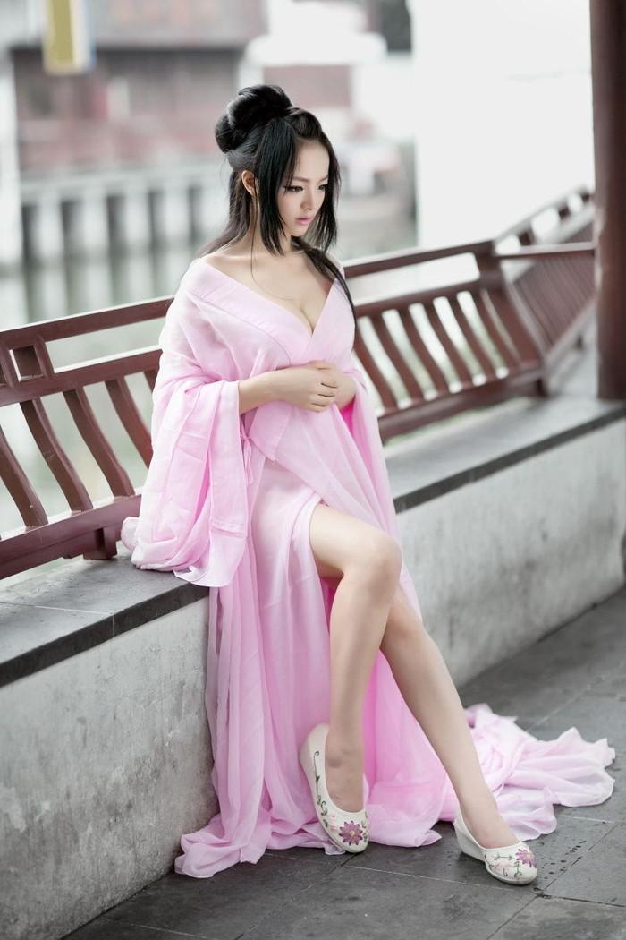 【コスプレエロ画像】台湾出身の過激コスプレイヤーがエロすぎる件。 09