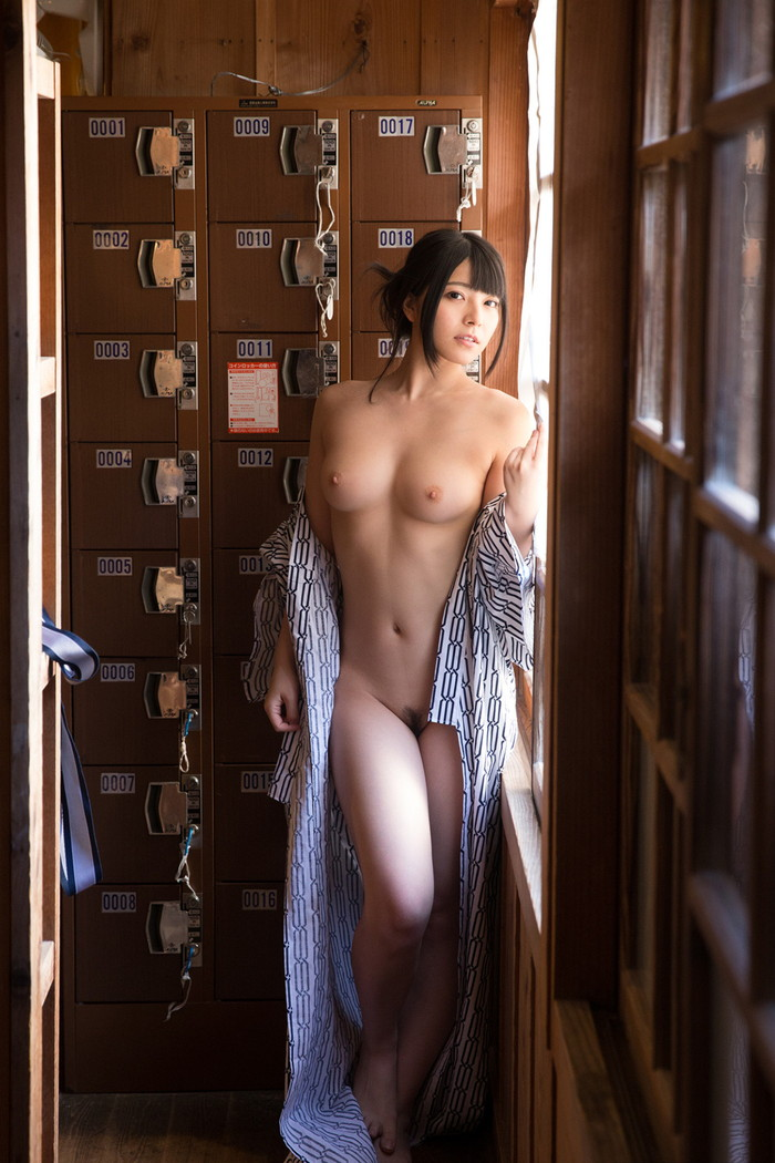 【上原亜衣エロ画像】今も尚、復帰を願う声が後を立たない人気AV女優! 01