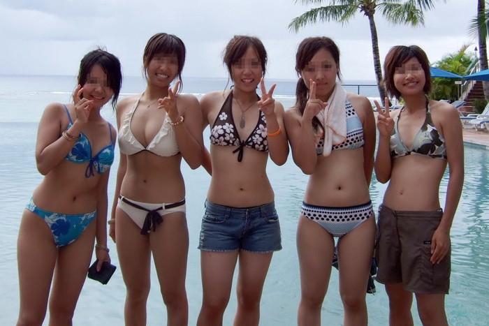 【素人水着エロ画像】無邪気にビーチで戯れる素人娘の水着姿が勃起不可避! 08