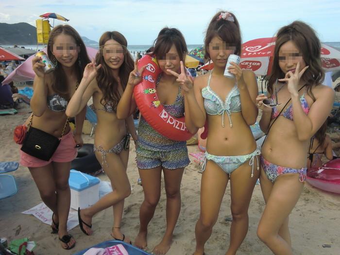 【素人水着エロ画像】無邪気にビーチで戯れる素人娘の水着姿が勃起不可避! 10