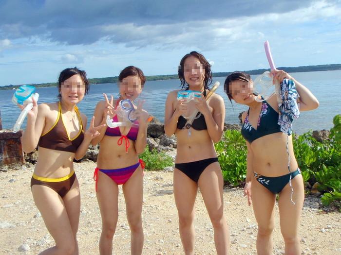 【素人水着エロ画像】無邪気にビーチで戯れる素人娘の水着姿が勃起不可避! 12