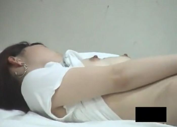 【オナニー盗撮エロ画像】何気ないオナニー!まさか!?盗撮されてたなんて!? 05