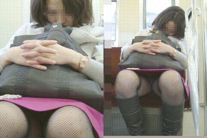 【対面パンチラエロ画像】対面に座った女の子のスカートの中が気になりすぎる!w 09