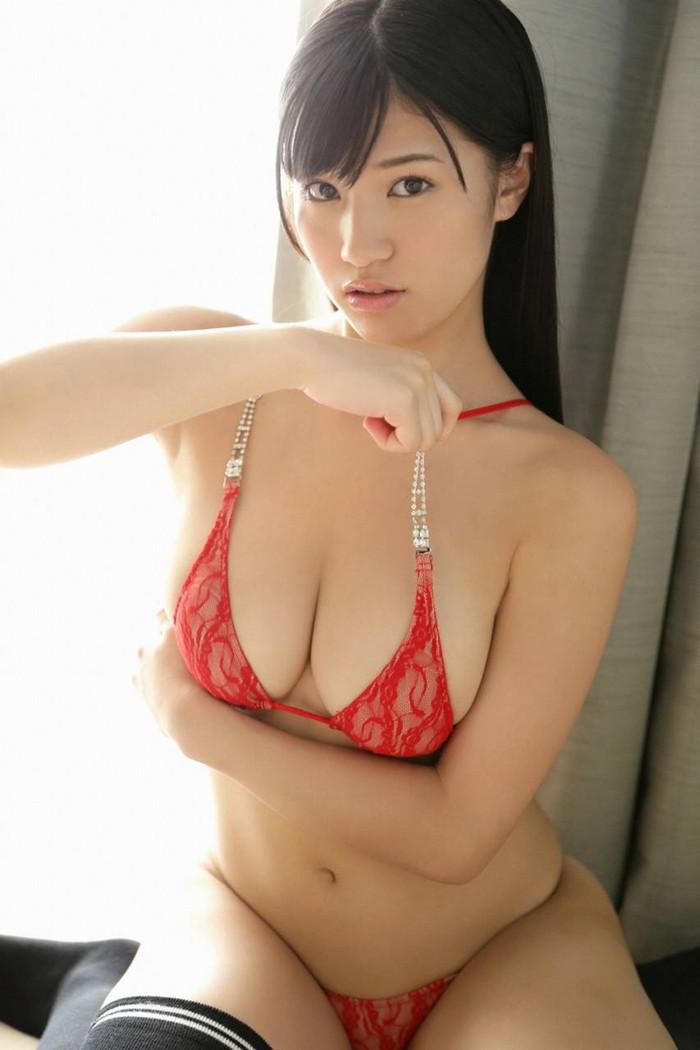 【高橋しょう子エロ画像】人気グラドルからAVへと転進した彼女のグラビア時代 06