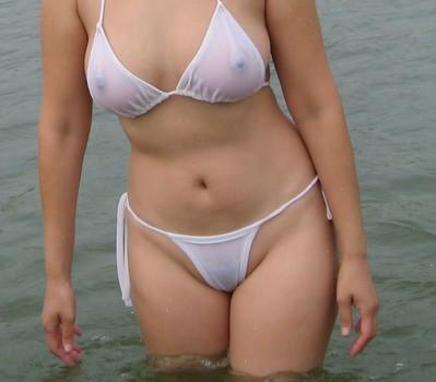 【過激水着エロ画像】これ本当に水着か!?全裸よりもエロいじゃないか!? 03