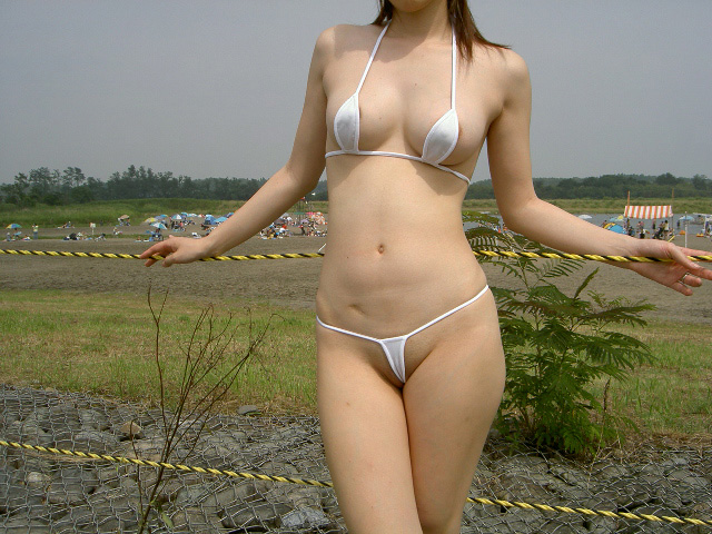 【過激水着エロ画像】これ本当に水着か!?全裸よりもエロいじゃないか!? 22