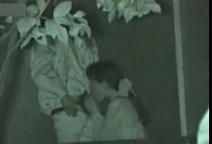 【夜の公園エロ画像】青姦スポットと呼ばれる公園を赤外線で覗いた結果ww 15
