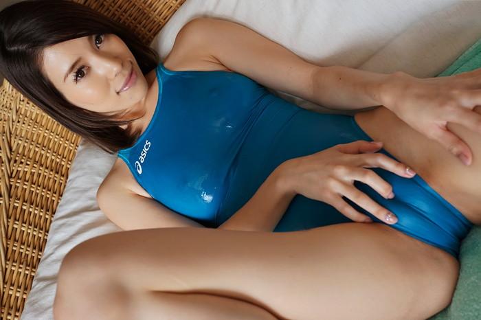 【競泳水着エロ画像】おまいら!競泳水着の女子が想像以上にエロいぞ!? 01