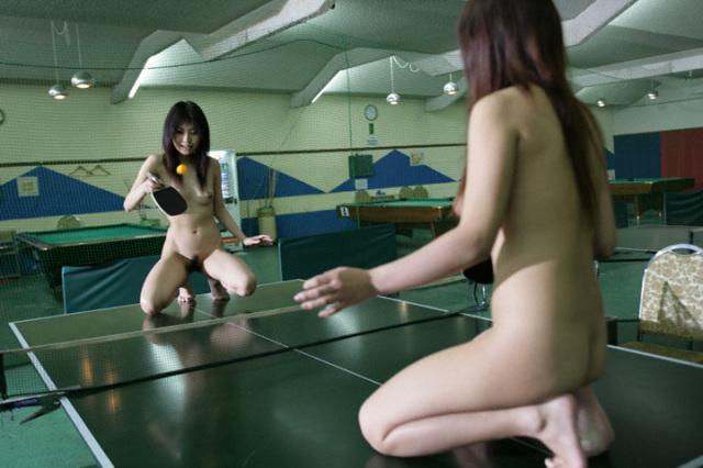 【全裸スポーツエロ画像】女の子が全裸でスポーツしたらやっぱりエロかった!w 07