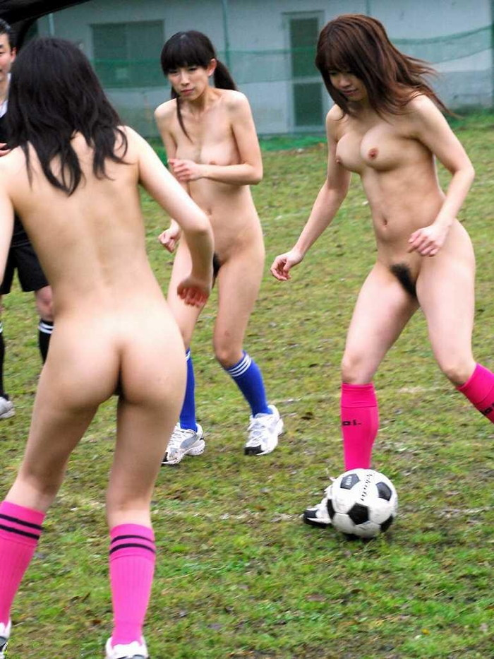 【全裸スポーツエロ画像】女の子が全裸でスポーツしたらやっぱりエロかった!w 08