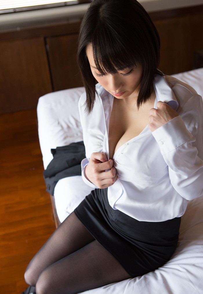 【澁谷果歩エロ画像】ツルツルの天然パイパンにGカップの美爆乳がエロいAV女優! 18