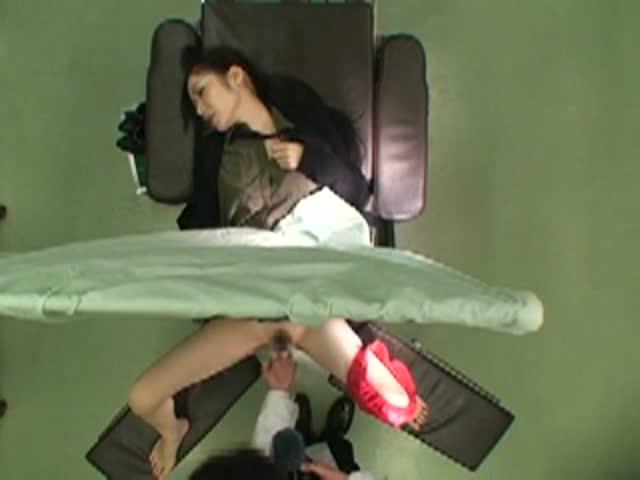 【悪徳婦人科医エロ画像】婦人科医が職権乱用して女体にイタズラした例がコチラw 25