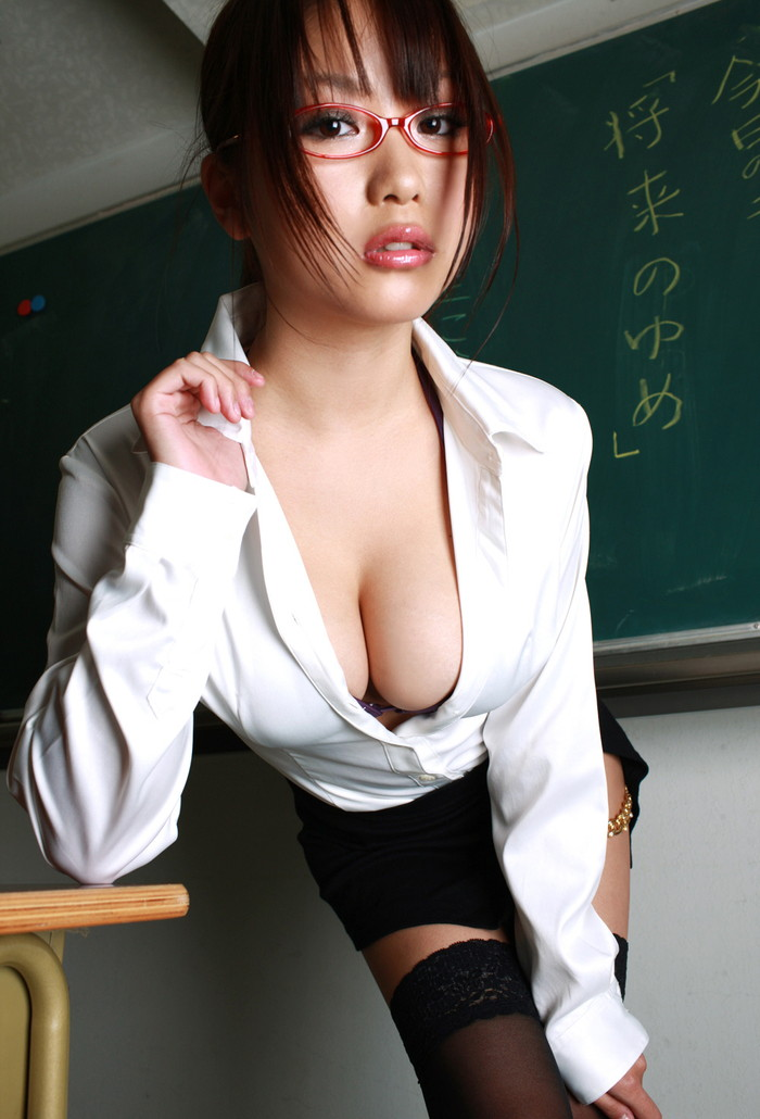 【職業コスプレエロ画像】様々な職業のコスプレでエロい姿を晒す女達! 11