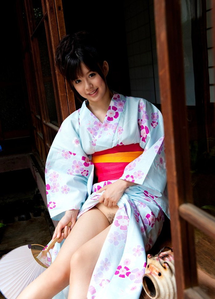 【着物エロ画像】日本の心!着物を着ている女の子のエロ画像がめっちゃ抜ける! 04