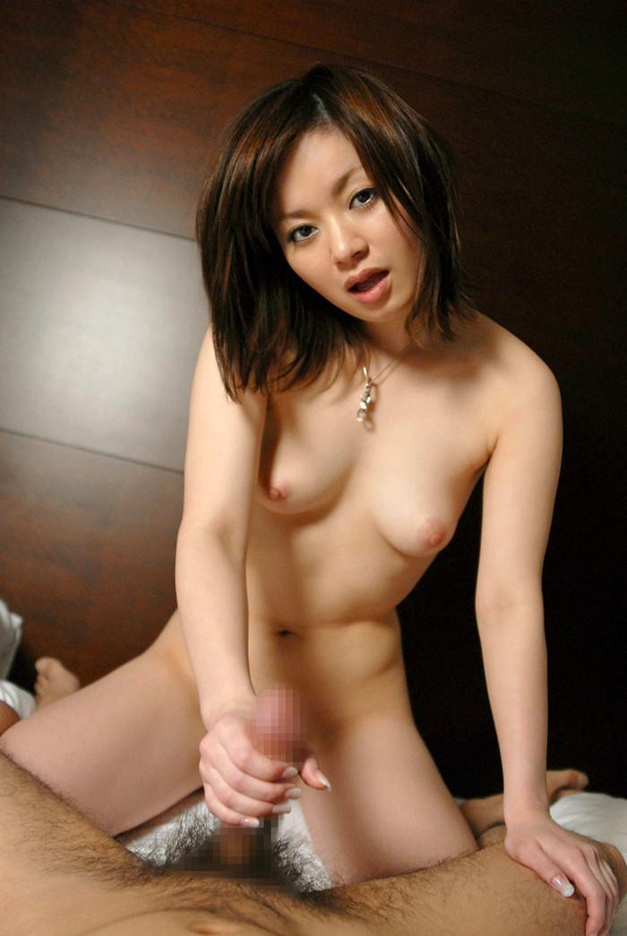 【手コキエロ画像】女の子にシテもらうから気持ちいい!手コキ! 02