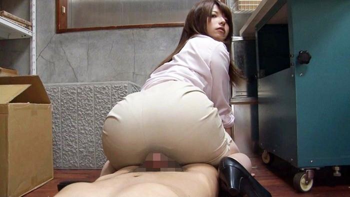 【尻コキエロ画像】真ん丸プリプリの美女のお尻で昇天できたら最高だと思うw 04
