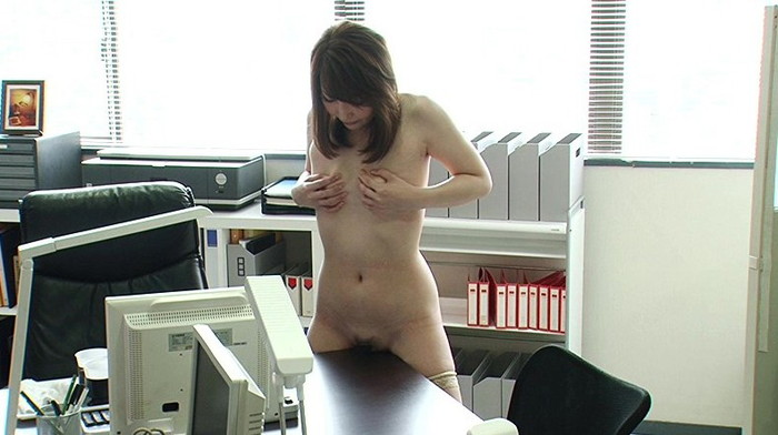 【角オナニーエロ画像】女の子が股間を擦り付けでオナニーする姿に勃起不可避! 02