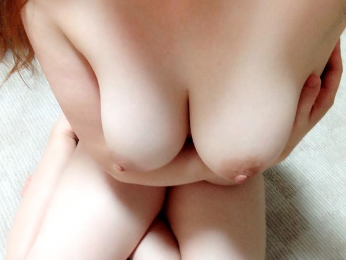 【素人おっぱいエロ画像】素人娘たちのエロいおっぱいから美乳まで色々集めたったw 32