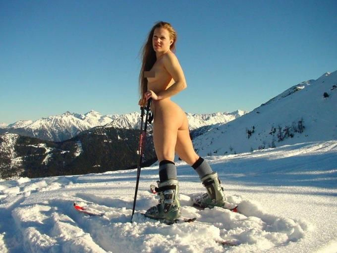 【全裸スポーツエロ画像】全裸でスポーツする女子だと!?見逃せないぜ! 13