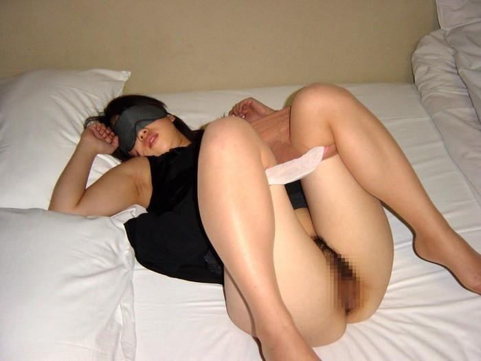 【目隠しエロ画像】視覚が奪われて全身性感帯のようになっている女の子! 05