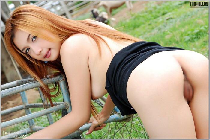 【外国人エロ画像】どうみても規格外!日本人には無いヒップラインの美しい外国人美女! 23