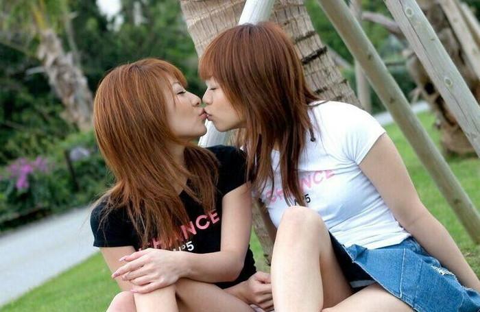 【レズビアンエロ画像】一度で良いから間近で見てみたいプレイがコチラww 07