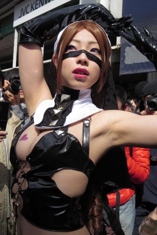 【コスプレエロ画像】過激な衣装のアニメキャラに成り切るという事はこういう事! 05