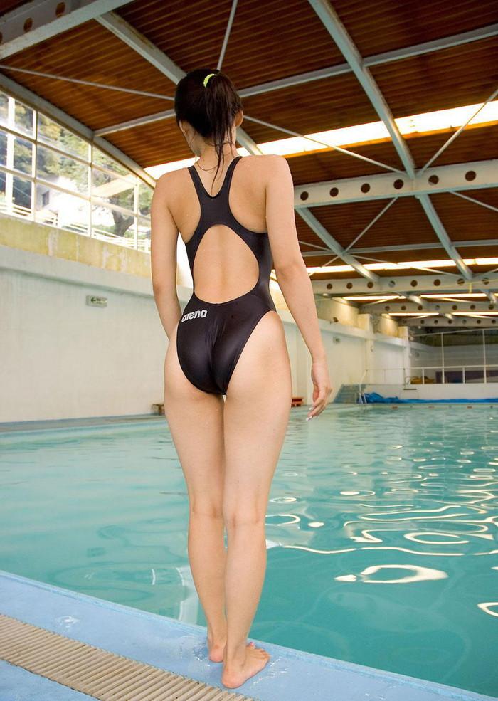 【競泳水着エロ画像】食い込みに透け乳首!競泳水着ってこんなにエロかったか? 02