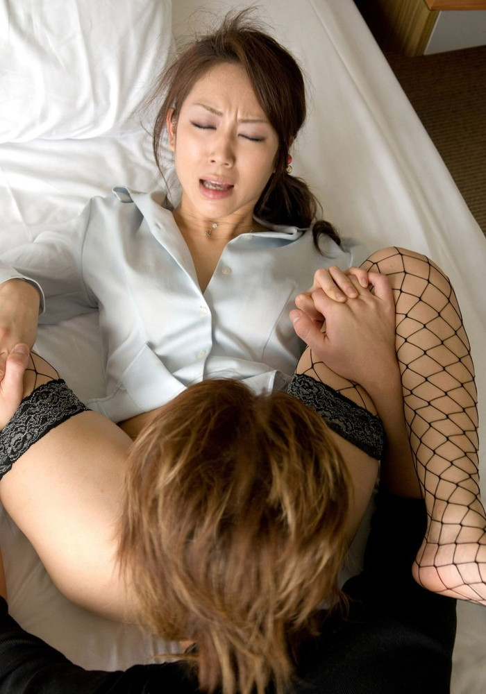 【悦顔エロ画像】セックスの最中に見せる女の厭らしい表情に大興奮! 08